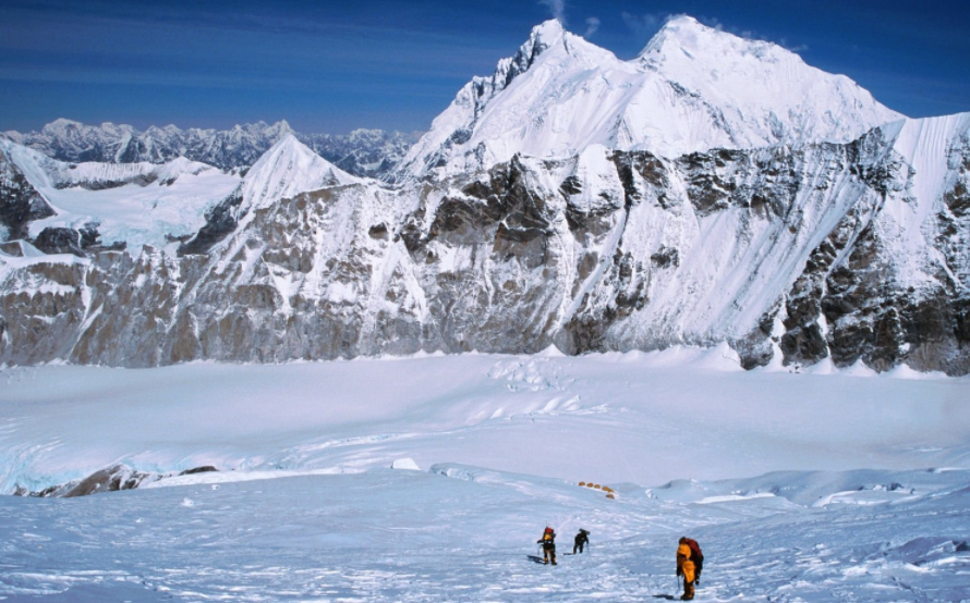 Climb Mount Makalu
