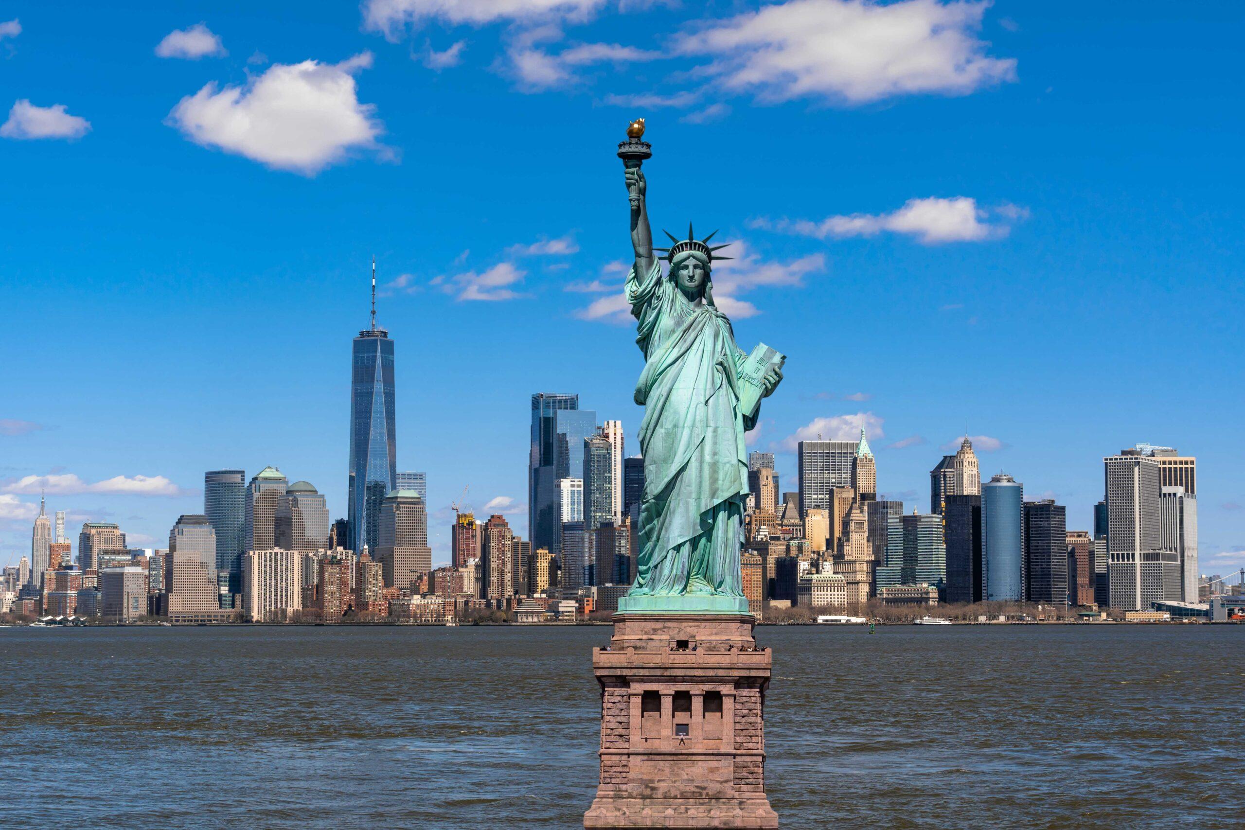 Statue Liberty Scene New York Cityscape River Side